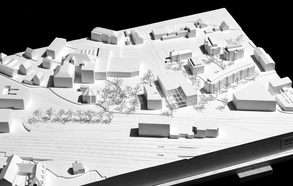 Das «Haus der Gegenwart» bietet der Kunst und dem Kulturleben innen wie aussen eine flexible Bühne und fügt sich dabei gekonnt in den städtebaulichen Kontext ein. (Foto: Projektverfasser)